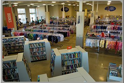 tosa_store_interior